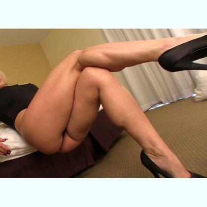 Strong legs porn pics